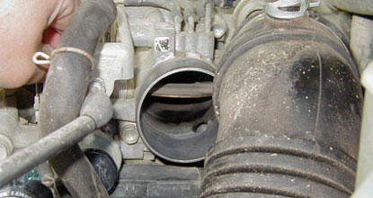 Throttle Body With Open Valve