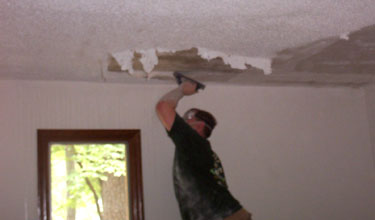 Wait A Minutes Before Getting Started To Allow The Water Soak Into Textured Ceiling